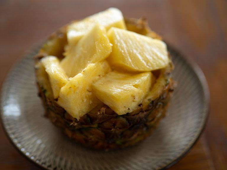 甘みの強いゴールデンパインが一番オススメとのこと。ジューシーな果汁と甘い香りが「白龍」に合う。