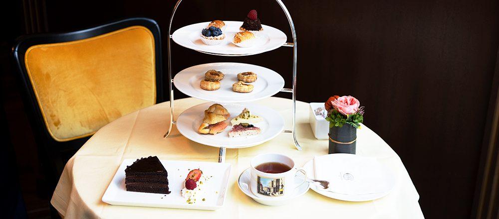 ミラノの老舗カフェ〈Cafe Cova Milano GINZA SIX〉オープン。