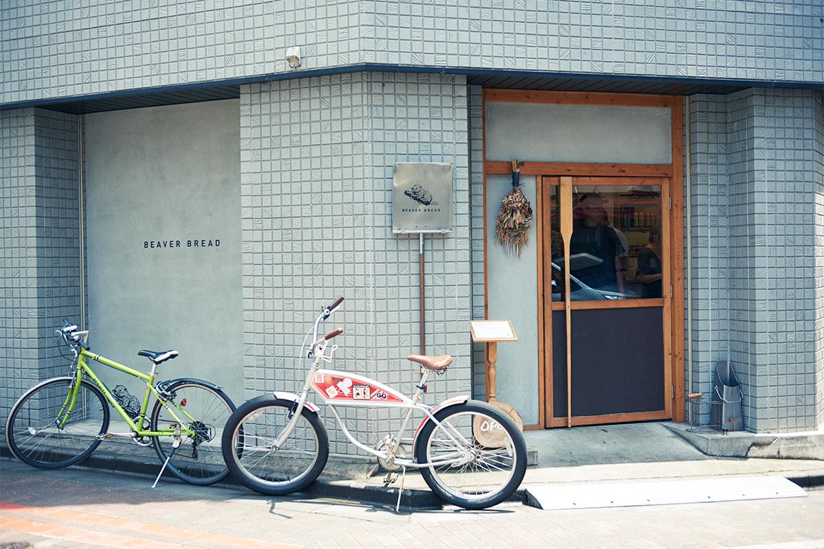 進化する馬喰町エリア。界隈の食生活を変革したベーカリー〈BEAVER BREAD〉と、ランドマーク的カフェ〈Bridge coffee & icecream〉へ。