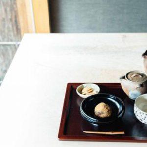 【京都旅】オーガニック煎茶の隠れ家ティールーム〈冬夏〉へ。日用品を扱うギャラリーも併設。