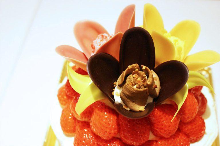 ブランド初!〈TOKYOチューリップローズ〉からこだわりのクリスマスケーキが登場。