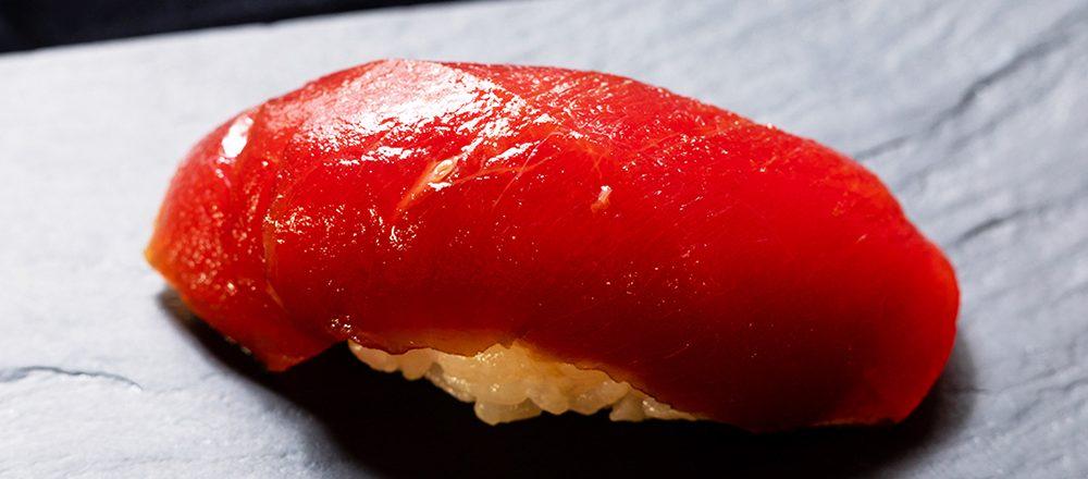 一度は食べてみたい!高級江戸前寿司の名店〈銀座寿司幸本店〉の伝統・進化系メニューを調査。