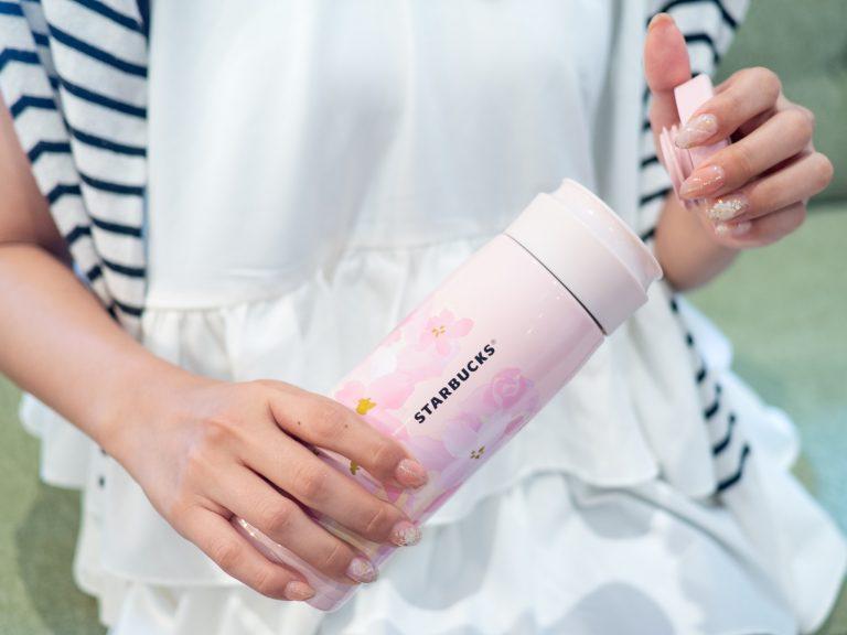 働く女子の愛用品。〈スターバックスコーヒー〉のタンブラー/事務職・新関麻文さん