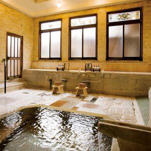 この宿が創業した当時から話題になっていた大理石の大正浪漫風呂。