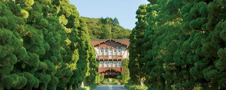 有形文化財に泊まる。【長崎・雲仙温泉】レトロクラシカルなホテル〈雲仙観光ホテル〉へ。