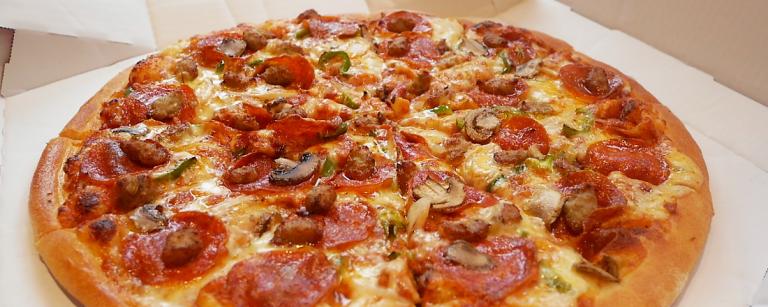〈ドミノ・ピザ〉の期間限定「ハロウィンルーレット」で、今年はおうちハロウィン!