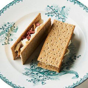 初心者におすすめのウィスキー&バーボン5選!おつまみ「クリームチーズ いぶりがっこサンド」の簡単レシピも。