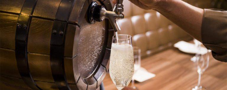 【丸の内】「生ワイン」や「日本ワイン」トレンドワインが楽しめる!ビストロ・ダイニングバル3軒