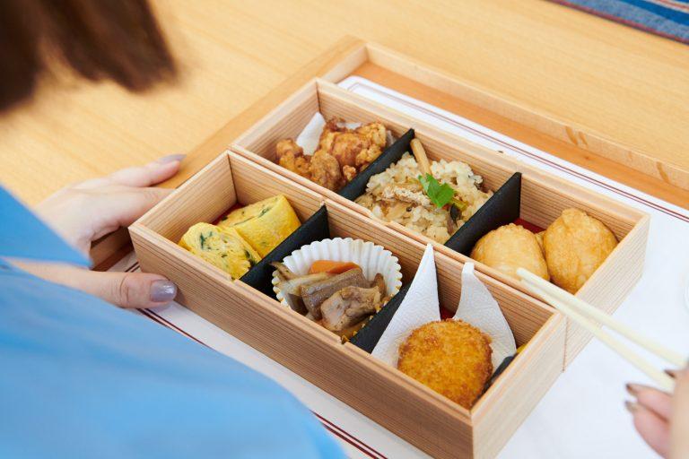 ツアーの後に、地元の食材を使ったお弁当1,500円でランチ。