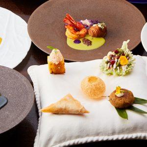 モダンインディアンキュイジーヌレストラン〈SPICE LAB TOKYO〉&バー〈THE GREY ROOM〉が銀座にオープン。