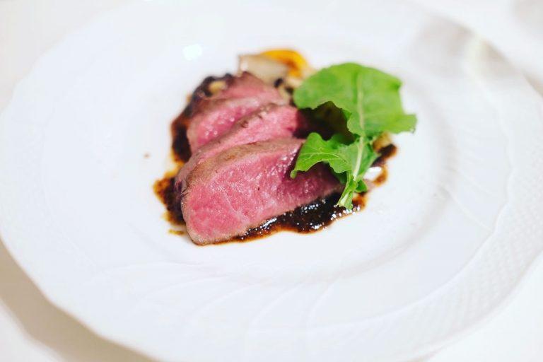 オリーブ牛のロースト。きめ細やかなサシ、軟らかくてうま味が強いのが特徴。
