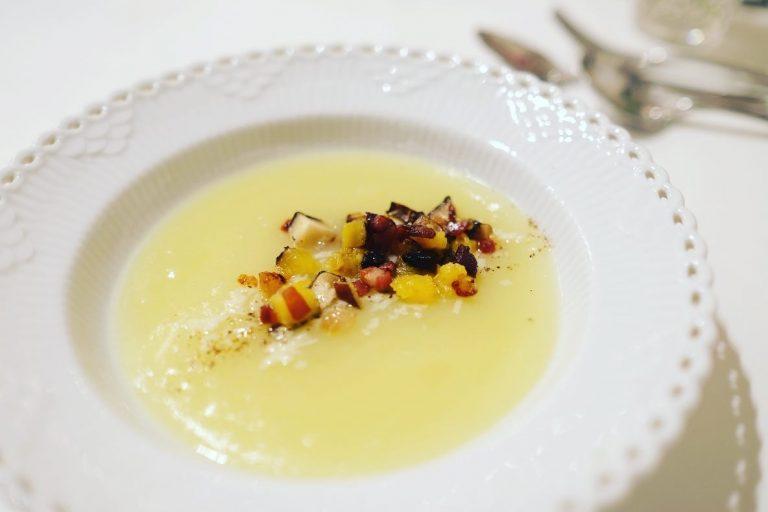 サツマイモとキノコと生ハムのスープ。