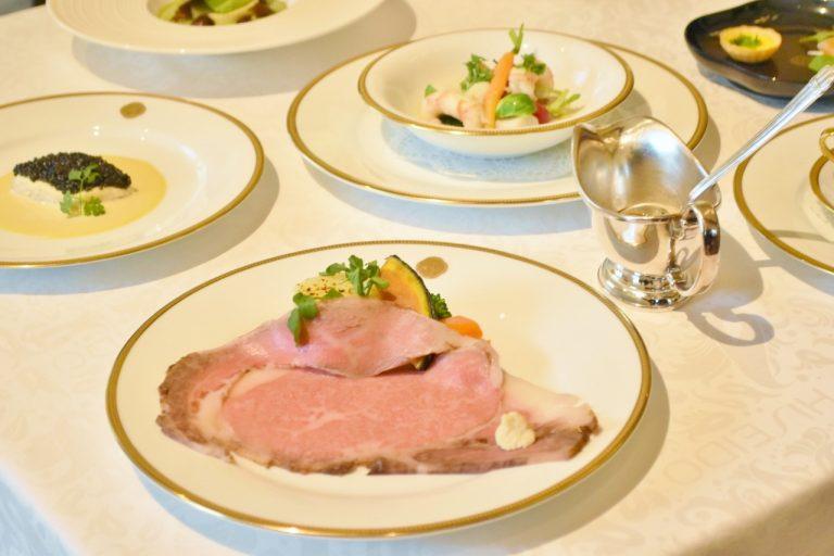 〈資生堂パーラー 銀座本店レストラン〉 11月限定「シェフのお薦めコース」12,000円。