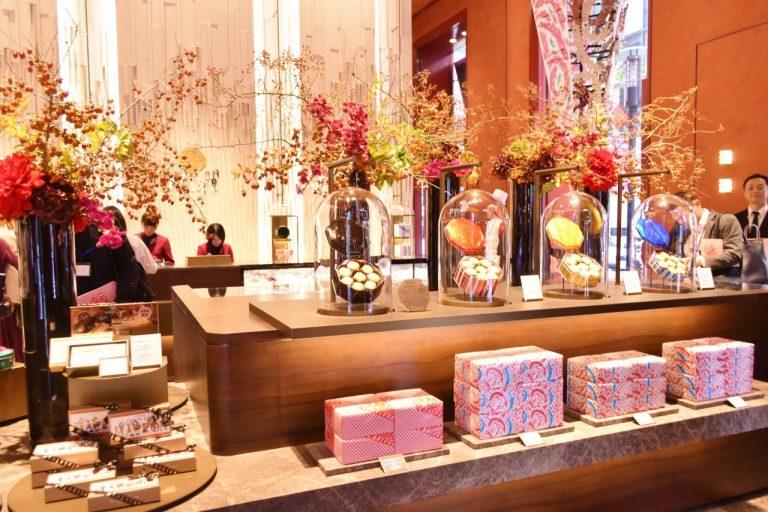 定番の洋菓子シリーズから銀座本店限定の品、生ケーキなどを扱うショップ。