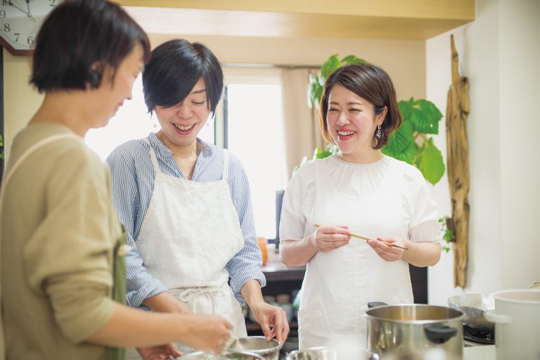 小平泰子/料理家。京都と東京で「小平泰子料理教室」を主宰。今年から自身が手がける惣菜の販売もスタート。料理にまつわる著書も多数。