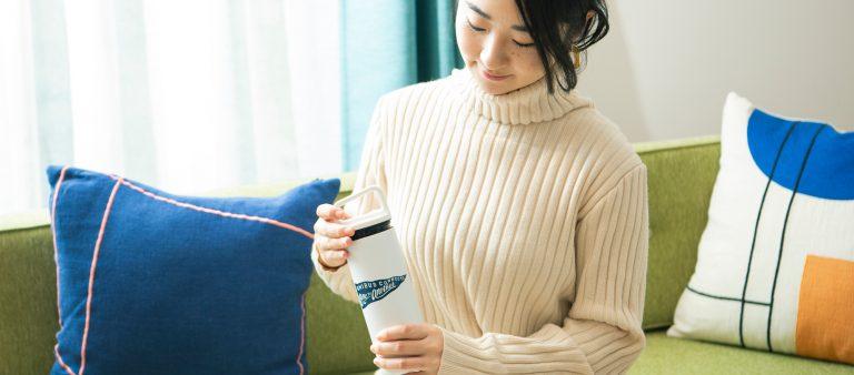 働く女子の愛用品。〈MiiR〉と〈オニバスコーヒー〉がコラボしたボトル/編集者・藤田華子さん