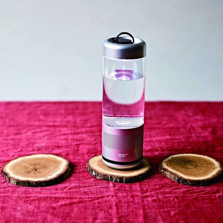 PLAYFUL BASE LANTERN SPEAKER BOTTLE.