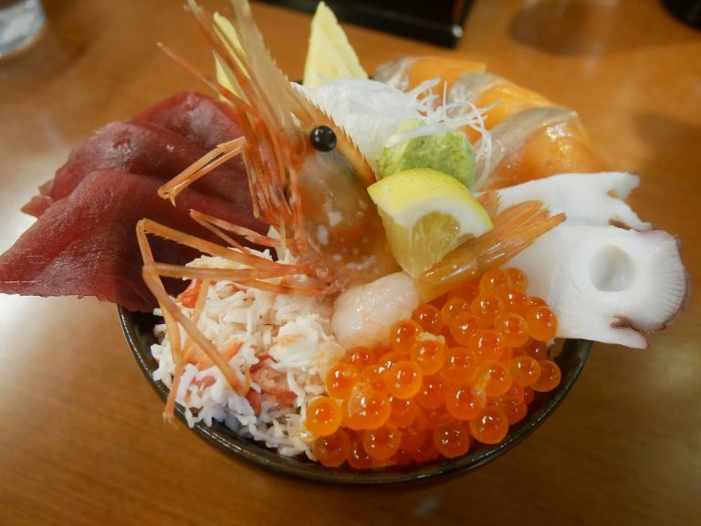 「漁火丼」1,780円(税込)。