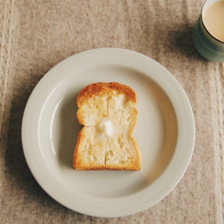 「もち小麦の山型食パン」