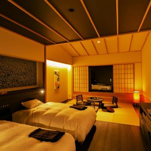 和洋室は全室40平方メートル超。設備も高級旅館に引けを取らない。