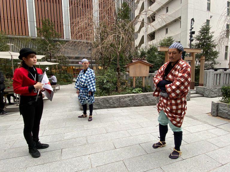 福徳神社での迫真の演技。