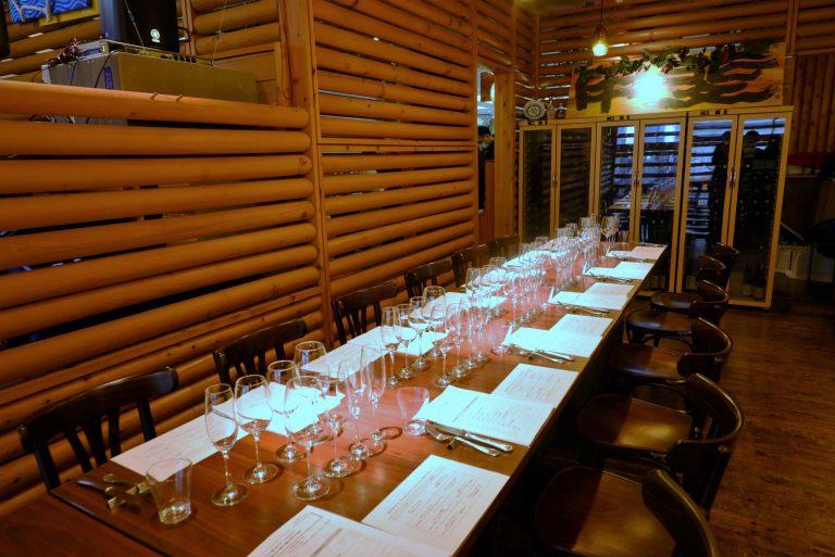 会場となったワインレストラン〈Y-wine〉。