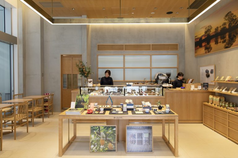 〈green bean to bar CHOCOLATE 日本橋店〉/日本橋
