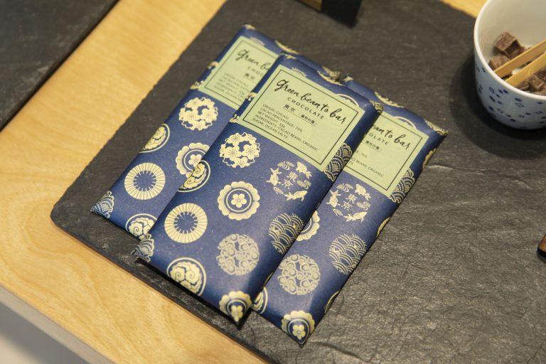 日本橋店限定のタブレット各1,800円。チュアオ70%。