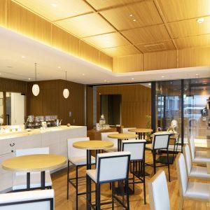 ホテル&レジデンス棟のカフェとしても人気。