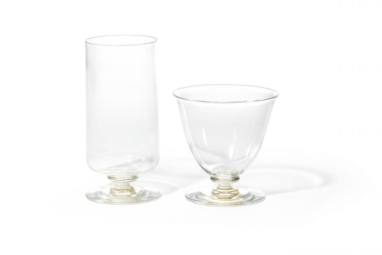 〈WASHIZUKA GLASS STUDIO〉の足付きグラス