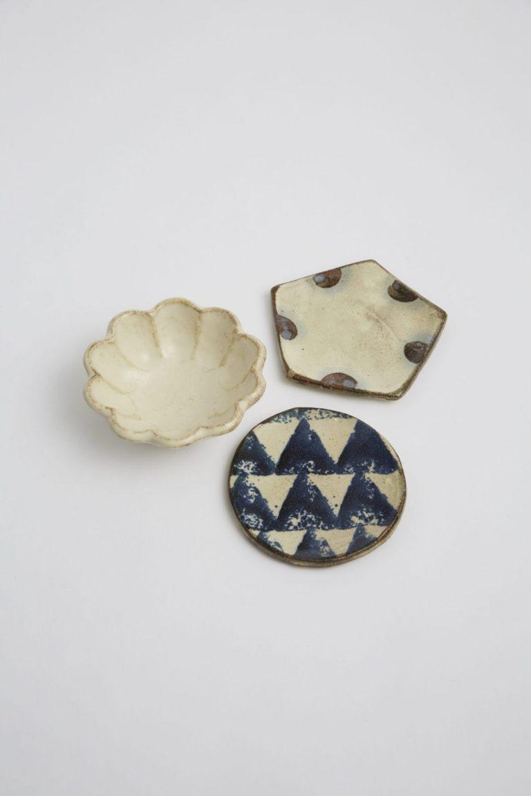 〈TOJIKI TONYA〉の小皿