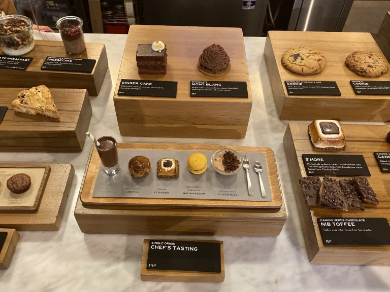 〈Dandelion Chocolate Factory and Cafe〉