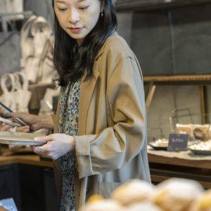 国産小麦100%のミルクスティックなど、甘いパンが人気。