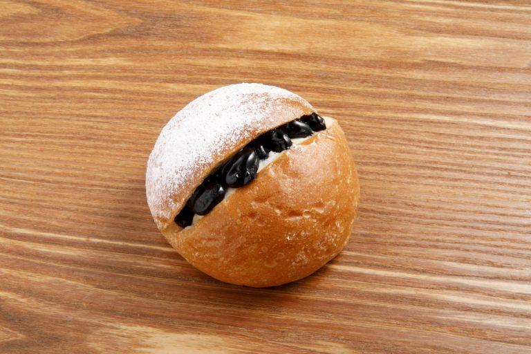 「黒豆と練乳」180円。