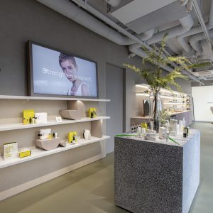 〈アスレティア〉表参道店オープン!アクティブでしなやかなライフスタイルを応援する、体験型店舗。