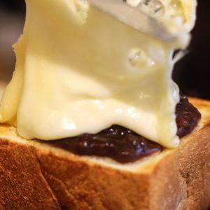 ラクレットチーズの新たな表情。〈raclette&coffee〉で斬新なカフェグルメと出合う。~カフェノハナシin KYOTO〜