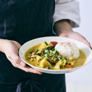 料理家さんたちが提案!ご当地おみやげのアレンジレシピ 「蕗みそココナッツカレー」