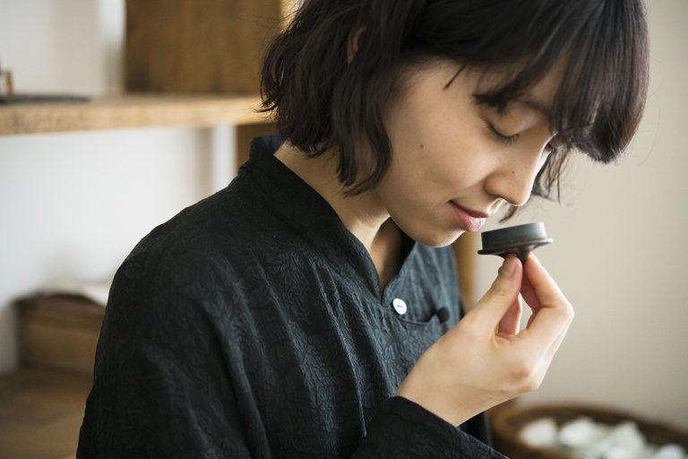 繊細な香りの世界にどっぷりと浸かった「台湾茶」教室。