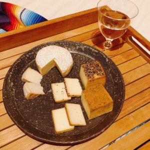 スモークを極めた燻製士が産み出す〈煙神〉の「スモークチーズ」~眞鍋かをりの『即決!2000円で美味しいお取り寄せ』~