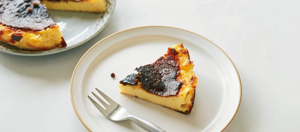 大人気のバスクチーズケーキがおうちで作れる!「ソルティバスクチーズケーキ」のレシピ