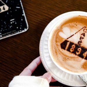 おすすめカフェもご紹介!人気インスタフォトグラファーお気に入りの撮影スポット【東京・丸の内】