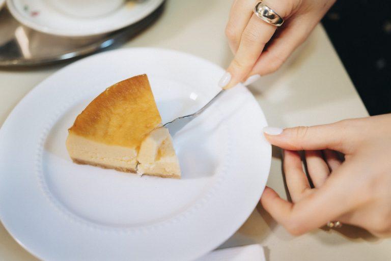 ニューヨークベイクドチーズケーキ630円。コーヒーとセットで1,170円。