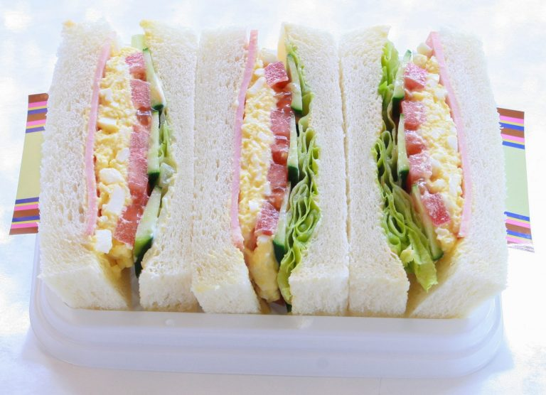 「ミックスサンドイッチ」540円(税込)。