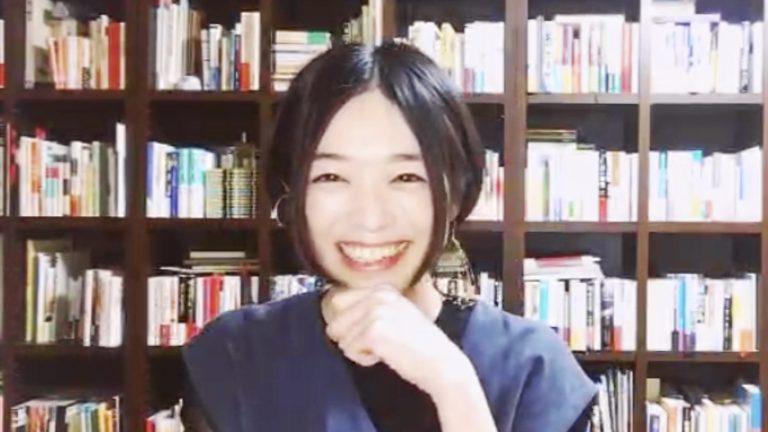 """自宅から""""本処方""""に臨んでくれた木村綾子さん。"""