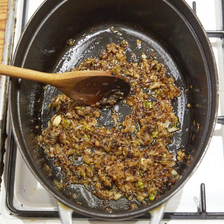 「チキンとひよこ豆のスパイス煮込み」レシピ
