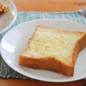 フランス産最高級発酵バターをたっぷり使った最高級食パン「ふじ森」で、おうち朝ごはんをワンランクアップ!