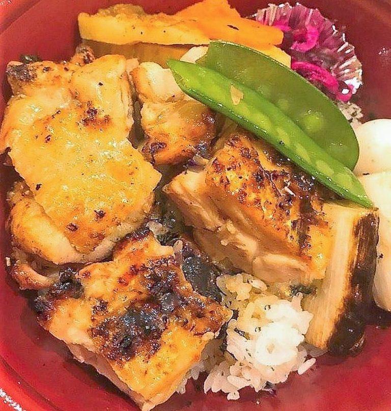 昼 焼鳥丼-2