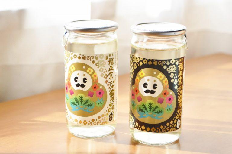 まずは石川県観光PRマスコットキャラクター「ひゃくまんさん」をラベルにしたカップ酒からご紹介。 可愛くて思わずジャケ買いしたくなるようなユニークなパッケージが人気のカップ酒は、お土産や旅のお供にお勧めです。 おうちではキオスクで買えそうなおつまみと一緒に楽しめば、ちょっぴり旅情感も味わえるかも??  ・福正宗 ひゃくまんカップ 旨口 200mL 1本 白色を基調としたラベルの「旨口」は、肴を選ばないさらりとした旨味が特徴。  ・福正宗 ひゃくまんカップ 辛口 200mL 1本 黒色を基調としたラベルの「辛口」は、完熟醗酵によるみずみずしい香りと爽やかな酸味が特徴。