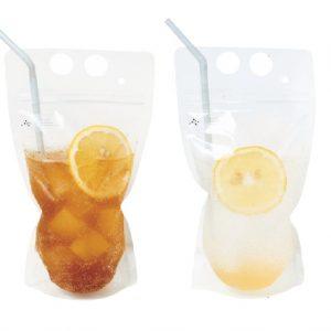 左:ココファームビネガーソーダ600円。右:伊良コーラ600円。
