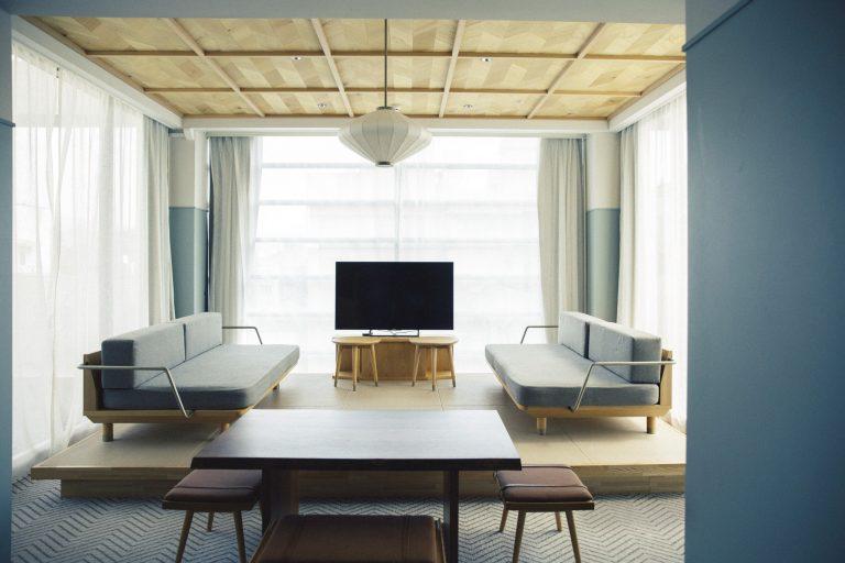 広さ48平方メートルの「JUNIOR SUITE」は、最大4人まで宿泊可能。